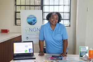 viNGN's Anita Davis at Calvary Christian Academy PTSG meeting Sept. 13
