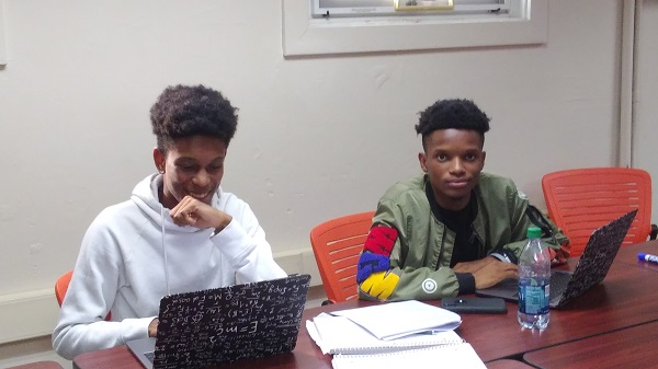 Recent UVI graduates Jair and Bashiri Smith participated in a 10-week virtual summer internship at Sandia National Laboratories (Photo courtesy of UVI)